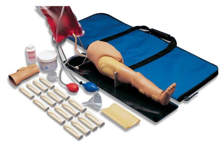 Simulador S407 de perna de Paciente com itens contidos no pacote